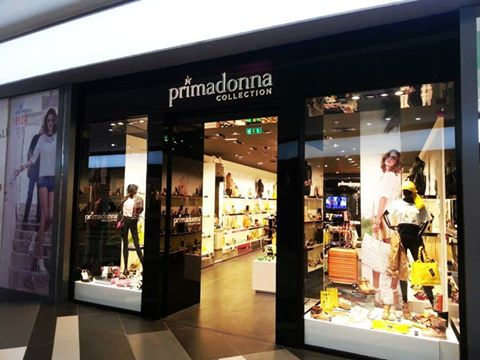 946d82e8a7f07 Primadonna Collection Grand Opening Party - Moi Ostrov