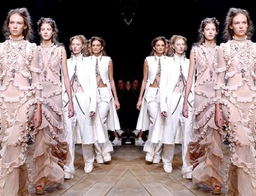 Alexander McQueen SS 2016 Fashion Show