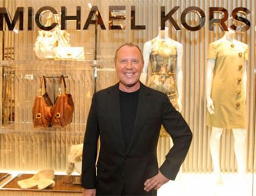 Michael Kors придержит лукбук круизной коллекции до октября.